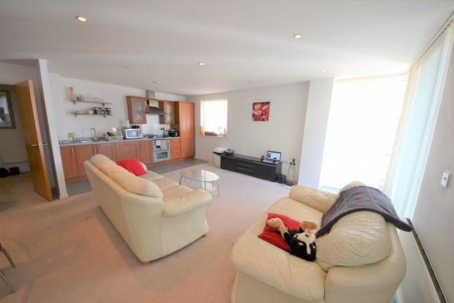 Thumbnail Flat for sale in Channel Way, Ocean Village, Southampton