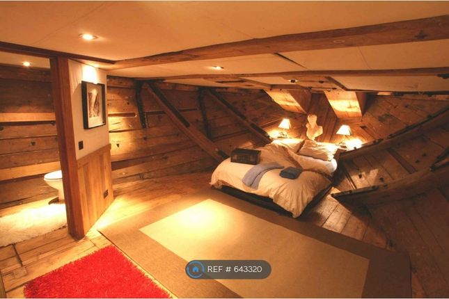 Thumbnail Houseboat to rent in Medway Bridge Marina, Rochester