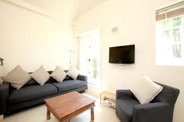Thumbnail 2 bed flat to rent in Stannary Street, London