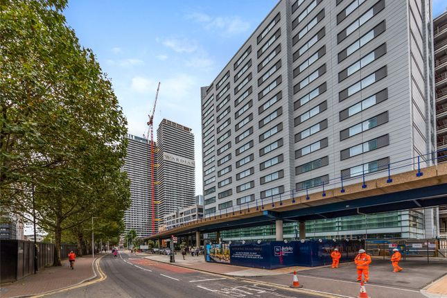 External of Wardian West, 50 Marsh Wall, Canary Wharf, London E14
