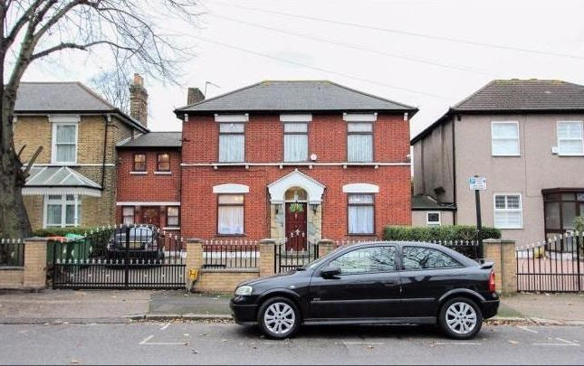 Thumbnail Terraced house for sale in Claremont Road, London