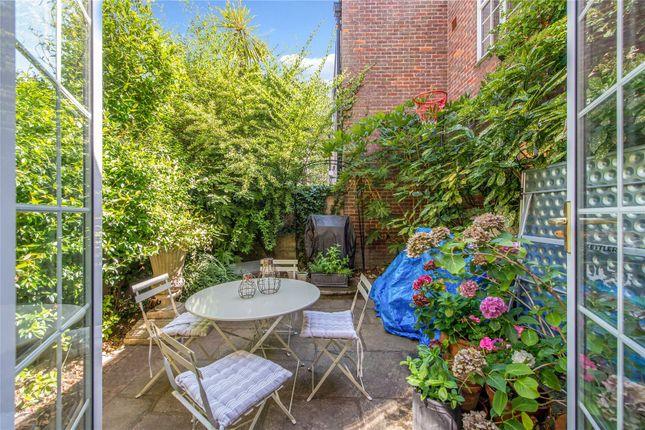 Garden of Robert Close, Little Venice, London W9
