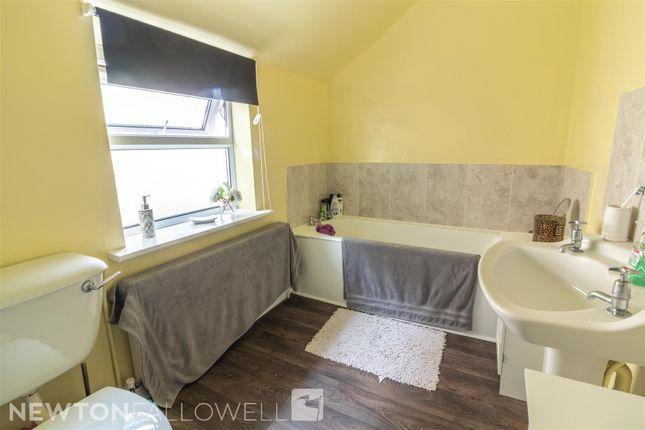 Bathroom of Humber Street, Retford DN22