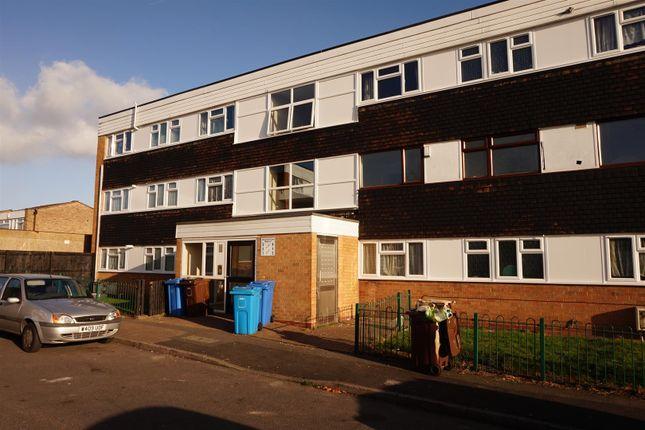 Thumbnail Flat for sale in Wingfield Close, Chelmsley Wood, Birmingham