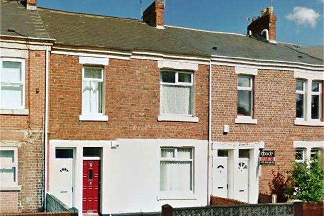 Flat to rent in Heaton Park Road, Heaton, Newcastle, Tyne And Wear