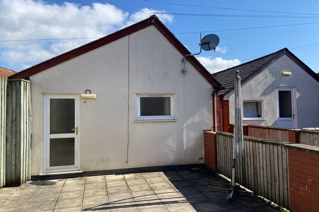 Thumbnail Flat to rent in North Town Lane, Wood Street, Taunton