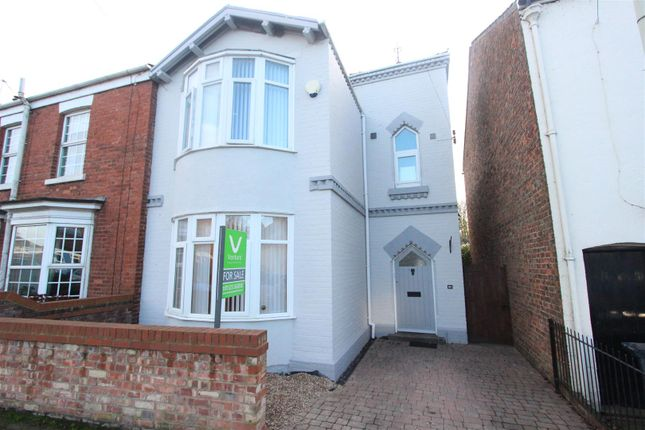 Thumbnail Cottage for sale in Hurworth Road, Hurworth Place, Darlington