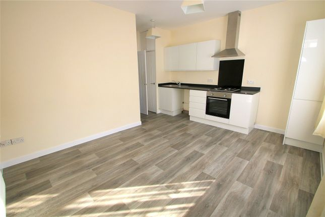 Thumbnail Flat to rent in Horsecastle Close, Yatton