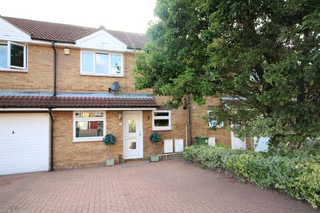 Thumbnail Terraced house for sale in Pickwick Close, Basildon