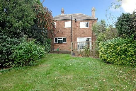 Thumbnail Detached house to rent in First Avenue, Amersham