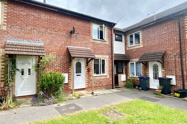 Thumbnail Terraced house to rent in Hewlett Close, Pewsham, Chippenham
