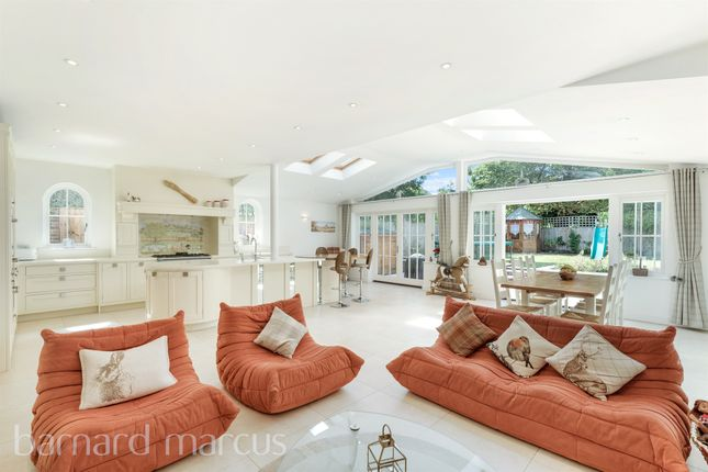 Thumbnail Detached house for sale in Stonehill Close, London