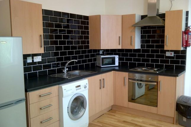 Thumbnail Property to rent in Hyde Terrace, Hyde Park, Leeds