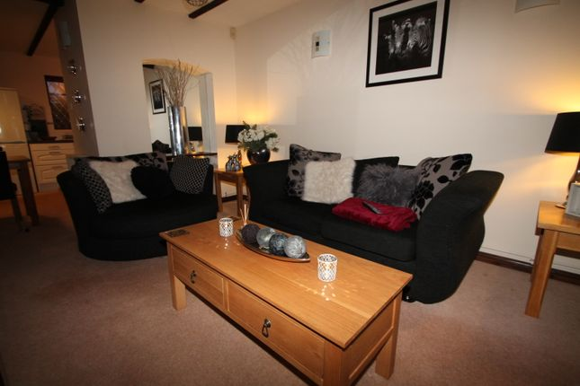 Thumbnail End terrace house to rent in Bishops Drive, Wokingham