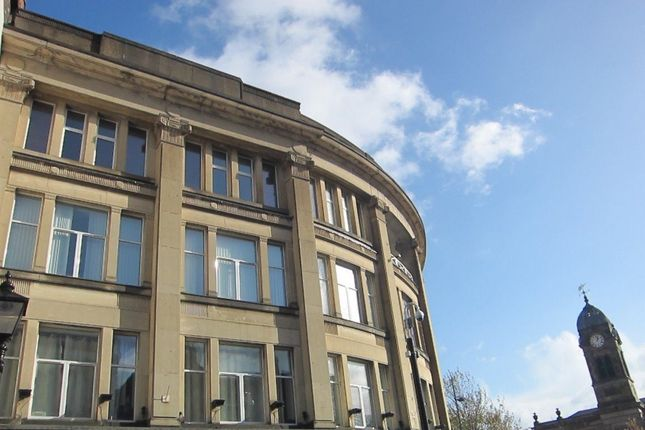 2 bed flat to rent in Market Place, Derby