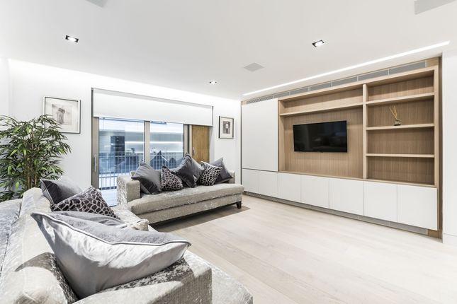 Thumbnail Flat to rent in Still Walk, London