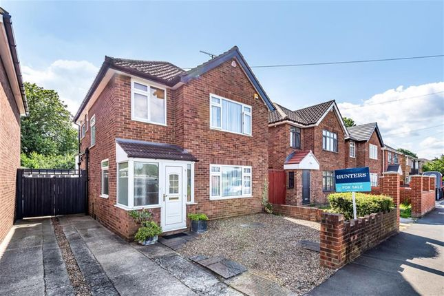 Thumbnail Detached house for sale in Wood End Green Road, Hayes