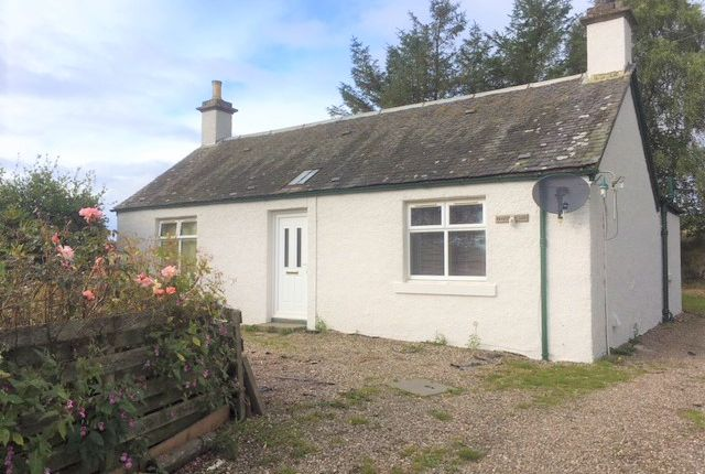 Thumbnail Cottage to rent in Easter Rattray Farm, Blairgowrie