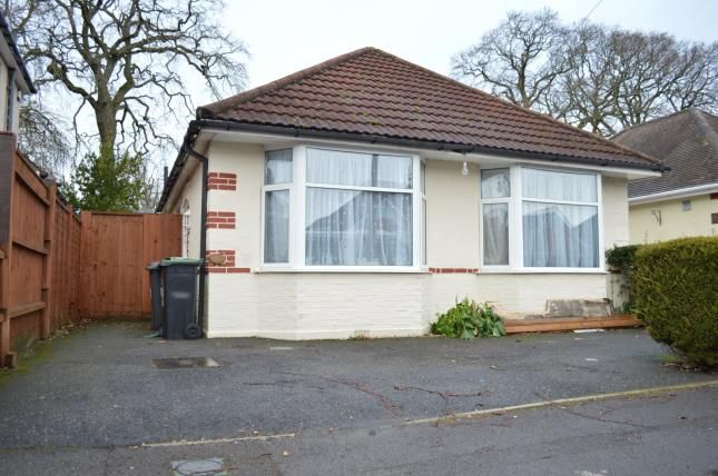 3 bed bungalow for sale in Kinson, Bournemouth, Dorset BH10