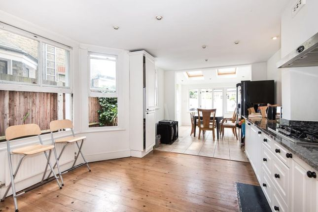 Thumbnail Property to rent in Stormont Road, Battersea