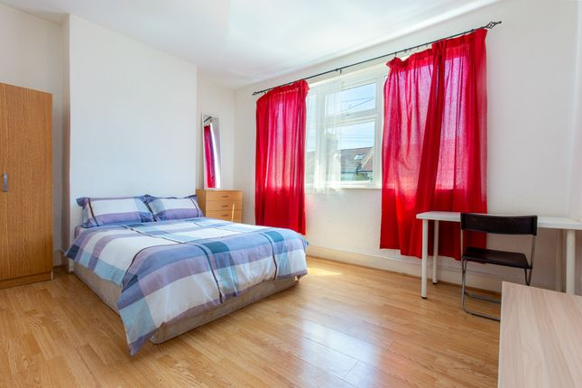 5 bed shared accommodation to rent in Stratford, Zone 2 E15