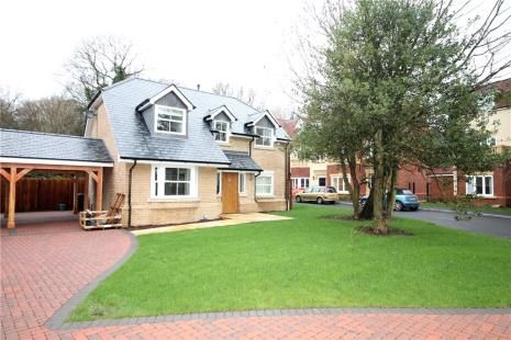 Thumbnail Detached house to rent in Bonsor Drive, Kingswood, Tadworth