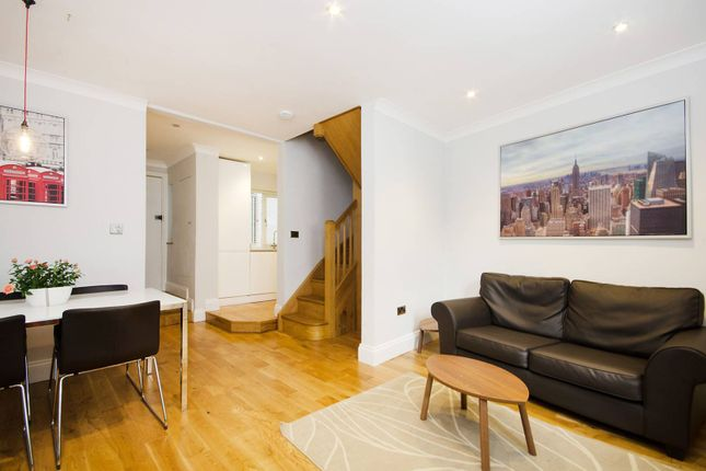 2 bed flat to rent in Old Brompton Road, Earls Court