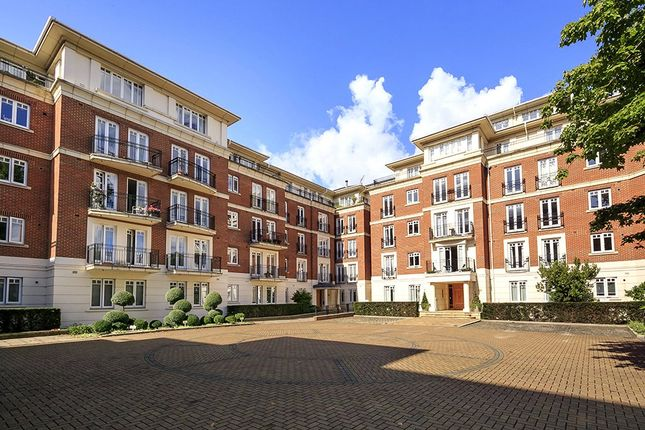Thumbnail Flat for sale in Leicester Court, 24 Clevedon Road, Twickenham