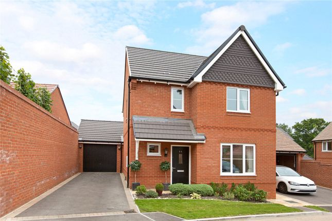 Thumbnail Detached house for sale in Meadowbrook, Woolton Hill, Newbury, Hampshire