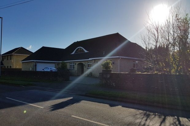 Thumbnail Bungalow to rent in Plymouth Road, Liskeard