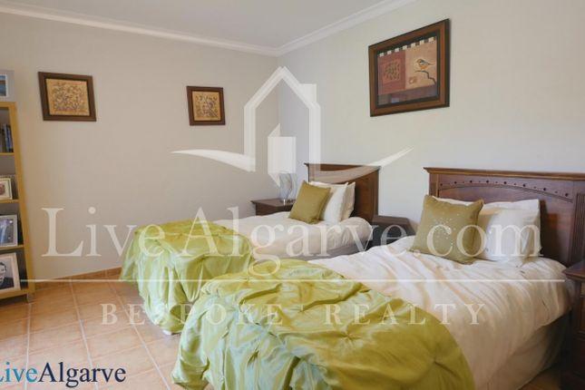 Comfortable T3 Apartment In Jardins Da Meia Praia, Lagos