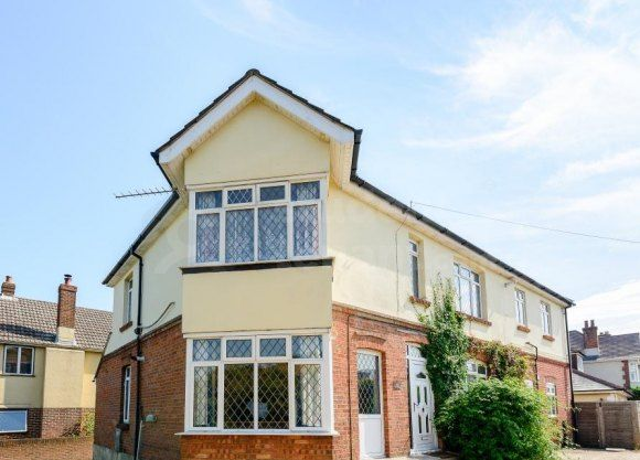 Thumbnail Shared accommodation to rent in Alder Road, Bournemouth, Poole