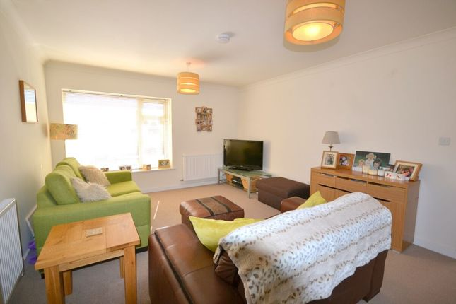 Thumbnail Flat to rent in The Ridings, Roade, Northampton