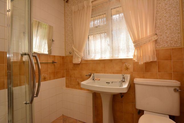 Bathroom of Butt Lane, Hepworth, Holmfirth HD9