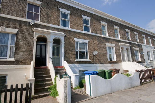 Thumbnail Flat to rent in Kings Grove, Peckham, London