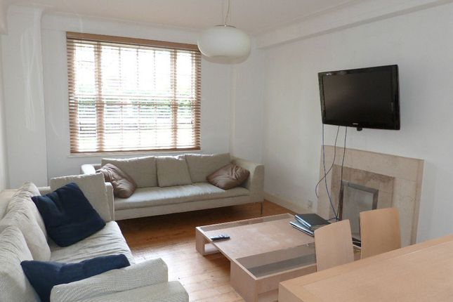 2 bed flat to rent in Eton College Road, London