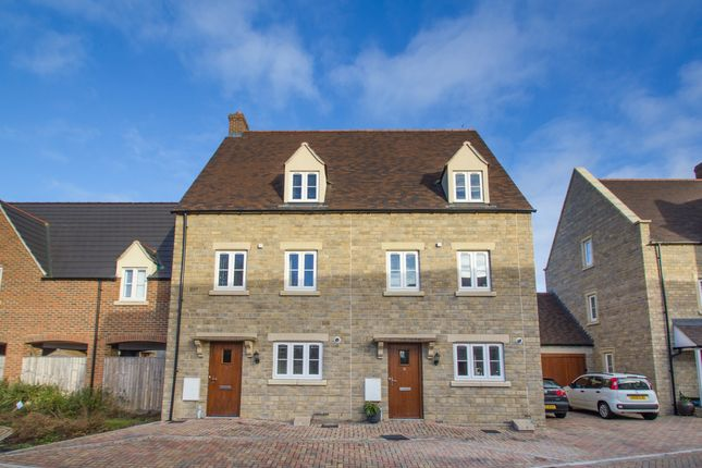 Thumbnail Town house to rent in Willowbank, Witney