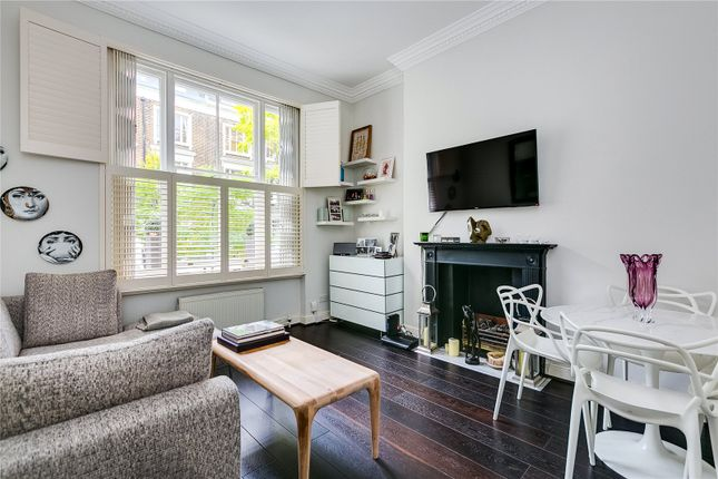 Thumbnail Flat for sale in Kempsford Gardens, London