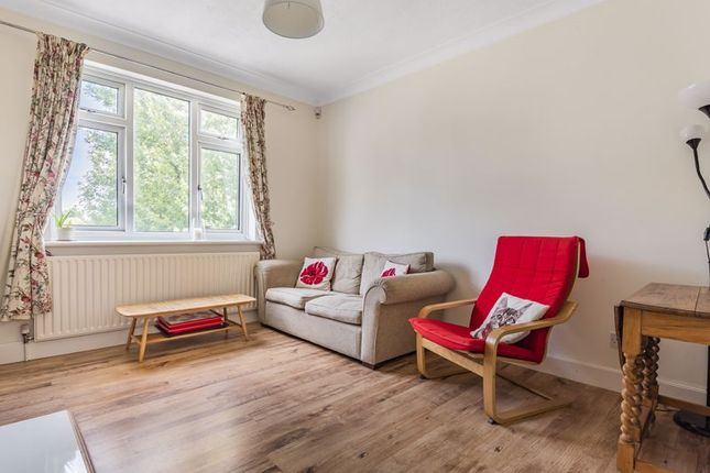 Lounge of Parkview Road, London SE9