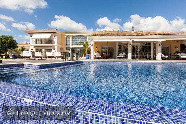 Thumbnail Villa for sale in Binissalem, Mallorca, The Balearics