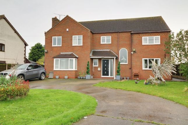 Thumbnail Detached house for sale in Southfield Road, Winterton, Scunthorpe