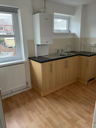 1 bed flat to rent in Fay Court, Langley Roa, Pontypridd CF37
