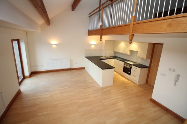 3 bed maisonette to rent in 22 Neptune House, Nelson Quay, Milford Haven.