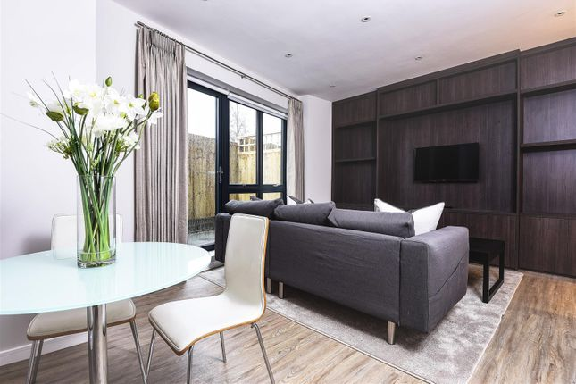 Thumbnail Flat for sale in Clarence Court, Dee Road, Richmond