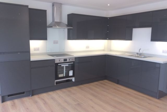 Thumbnail Flat for sale in High Street, Grays