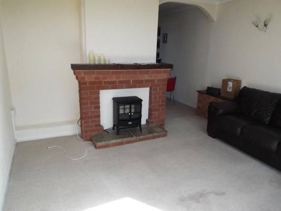 Lounge of Ingold Avenue, Leicester, Leicestershire LE4
