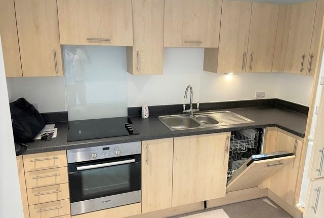 Thumbnail Flat to rent in Gaol Ferry Steps, Bristol