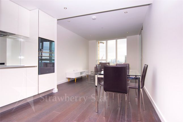 2 bed flat to rent in Sky Gardens, 155 Wandsworth Road, London