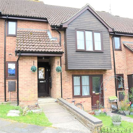 Thumbnail Property to rent in Linton Close, Tadley, Hampshire