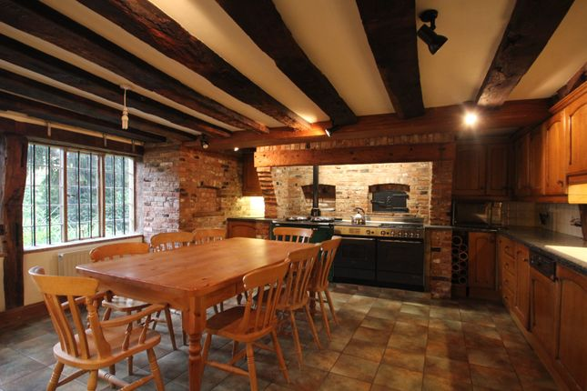 Thumbnail Detached house to rent in Bredon Road, Tewkesbury